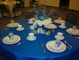 Dining Room Table Decorating Ideas For Christmas by Cool Christmas Banquet Table Decorations With Blue Table Cloth And