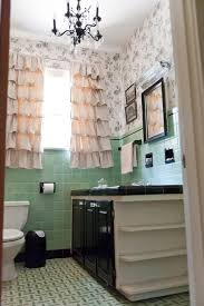 50s Retro Bathroom Decor by 8 Ways To Spruce Up An Older Bathroom Without Remodeling