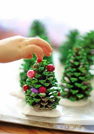 Pine Cone Christmas Tree Decorations by Cute Holiday Projects For The Kids Table Decorations Snacks And