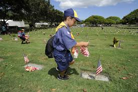 Memorial Day Graveside Decorations by Boy Scout U0027s Memorial Day Good Turn Event