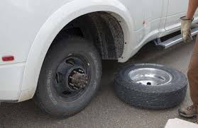 Diy Remove A Camper Jack by How To Change The Inner Rear Tire On A Dually Truck Roads Less