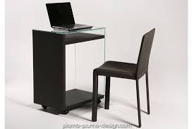 petit bureau laptop en verre et bois noir sur roulettes pour