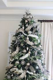 Christmas Tree Bead Garland Ideas by 86 Best Champagne Silver Gold And Shades Of White Christmas