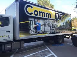 100 26 Truck CommFit Foot Box Wrap Car Wrap City