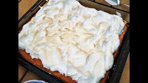luftiger johannisbeer kuchen mit baiserhaube blechkuchen mit johannisbeeren soo lecker