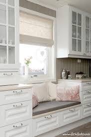 Kitchen Booth Seating Ideas by Best 25 Kitchen Window Seats Ideas On Pinterest Bay Window