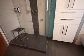 dusche mit sockel aus estrich modern badezimmer köln