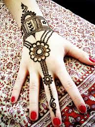 58 Simple Mehndi Designs that are Awesome & Super Easy to Try Now