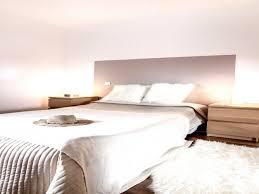 chambre beige et taupe lit lit capitonné blanc inspiration chambre beige taupe et blanc