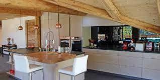 cuisine chalet moderne chalet moderne haute savoie cuisines la clusaz