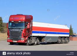 Big Blue Tractor Red Trailer Stock Photos & Big Blue Tractor Red ... Big Truck Stops 332 For Android Download Cventional Semi Truck In A Stop Arizona Usa Stock Photo About Iowa 80 Truckstop Installs Hightech Cooling Connectivity System The The Drivers Den At Jarrells Stop Doswell Va Ta Travel Center Kingman Arizona Store Truck Stop Diesel Warren Buffetts Berkshire Bets On Americas Truckers Buys Classic Rig Oh Image 40306158 Zoo Wars Tiger V Sanctuary Top Cats Roar Extreme Semi Back Up Narrow Spot Luxury D Wright Wyoming 7th And Pattison Rigs Scrap Mechanic Town Gameplay Ep 179