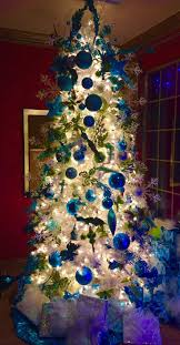Flocked Christmas Trees Vancouver Wa by The 1717 Best Images About Christmas On Pinterest