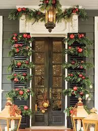With The Colonial Williamsburg Style Of Holiday Decorating