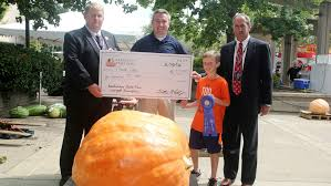 Fertilizer For Pumpkins And Watermelons by 12 Year Old Wins Largest Pumpkin Contest At Kentucky State Fair