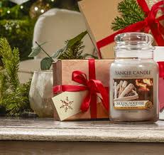 Which Christmas Tree Smells The Best Uk by 11 Of The Best Christmas Scented Candles