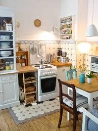 die holzige kleine küchenuhr küchenuhren küchen
