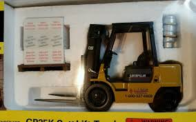 100 Cat Lift Trucks NORSCOT J J KELLER 125 DIECASCAT CATERPILLAR FORK LIFT
