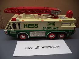 VINTAGE HESS Toy Fire Truck Plastic 11