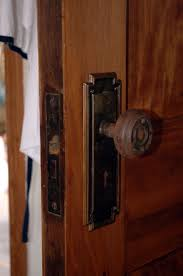 Rubbermaid Roughneck Shed Door Latch by Best 25 Barn Door Hardware Ideas On Pinterest With Diy Barn Door