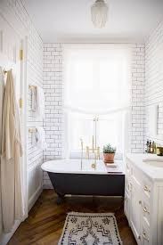 Narrow Bathroom Ideas Pictures by How To Draw The Long Narrow Bathroom Layout Home Interior Design