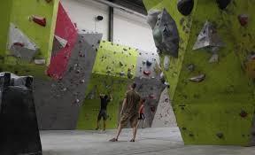 salle de bloc escalade cours et stages trouvez votre partenaire de grimpe