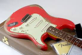 Guitare FENDER Custom Shop 1962 Heavy Relic Stratocaster Fiesta Red 923 8001 210