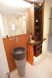 gäste badezimmer mit stimmungsvollen lichtszenarien