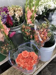 Janal Wholesale 11 s Florists 1942 N Saint Marys St