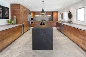 cuisine bois plan de travail noir plan de travail atre et loisirs marbrerie vous conseille