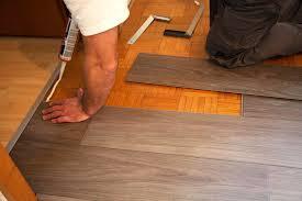 vinylboden auf parkett verlegen tipps und hinweise