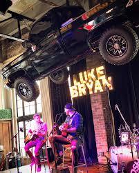 99 Luke Bryan Truck Hosts Massive Street Concert In Nashville Rolling Stone