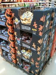 Snickers Halloween Commercial 2015 by Oh Great Here U0027s Another Halloween Candy Display In July U2013 Consumerist