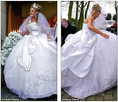 cat wedding dress cat wedding dress holy crap everything i wanted