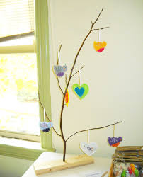 This Display Is A Fun And Eye Catching Cheap Way To Hang Jewelry Ornaments Garlands Etc Draw Customers Your Table