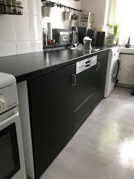 unterschränke küche schwarz weiß ikea korpus