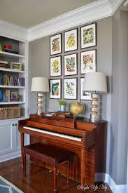 Decorating Bookshelves In Family Room by Best 20 Piano Living Rooms Ideas On Pinterest Piano Decorating