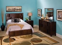 Saratoga 4 pc Queen Platform Bedroom Set w Storage Bed