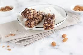 müsliriegel selber machen dattel schokoladen knusperriegel