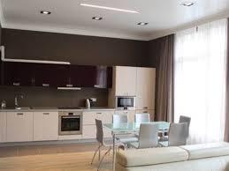 der innenraum der küche ist 20 quadratmeter groß vor und