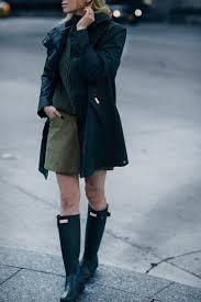 what to wear in the rain stylish rain gear helena of brooklyn