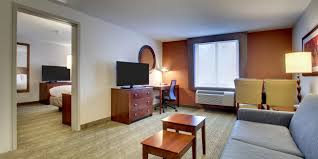 Holiday Inn Express & Suites Lincoln East White Mountains Hotel