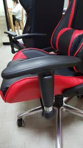 Dxracer Gaming Chair Cheap by Project Throne Gaming Chairs Know What You U0027re Getting And What