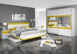 chambre a coucher blanc chambre blanche et grise collection avec chambre coucher blanche