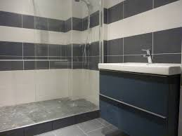 poseur de salle de bain pose de faience dans une salle de bain great pose carrelage mural