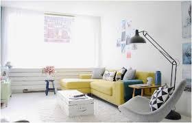 canap jaune ikea salon meubles canape meridienne jaune coussins tabourets table basse