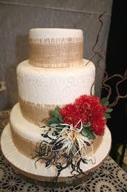 Rustic Beach Theme Wedding Cake With Handmake Floral Arrangement