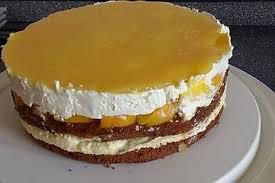 geschichtete und sehr raffinierte pfirsich mascarpone torte mit mandel schokoboden