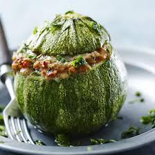 cuisiner courgette ronde recette courgette ronde farcie à la chair à saucisse facile rapide