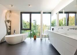 platzbedarf für eine freistehende badewanne experten geben