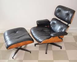 Estate Herman Miller Rosewood Eames Chair & Ottoman - Oct 04, 2018 ... Charles Ray Eames Lounge Chair Vitra 70s Okay Art Early Production Eames Rosewood Lounge Chair Ottoman Matthew Herman Miller Vintage Brazilian 67071 Original Rosewood 670 And Ottoman 671 For Herman Miller At For Sale 1956 Moma A